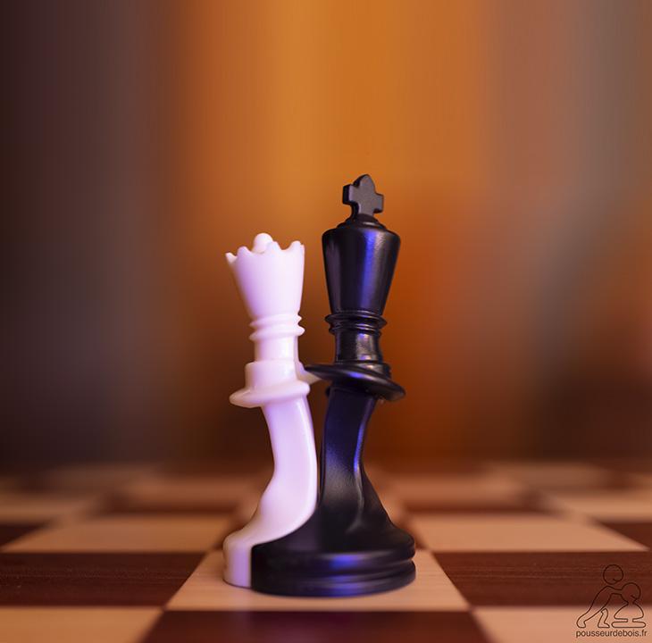 Roi et Dame échecs dansent le tango