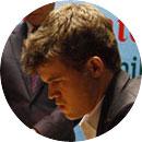 Carlsen, portrait vue de face