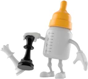 Baby Chess (un biberon avec une tétine orange joue aux échecs)