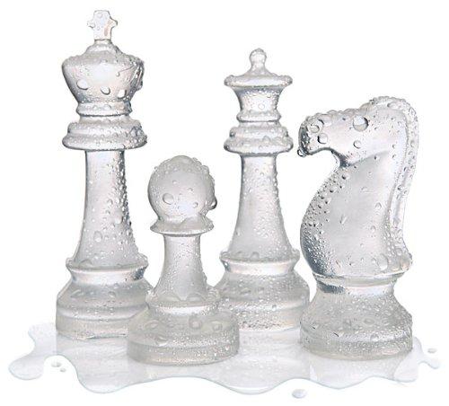 Pièces d'échecs en glace