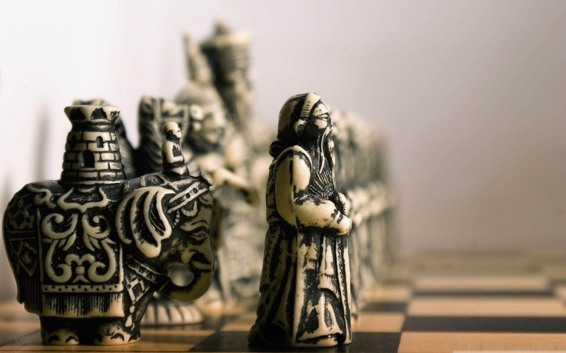 Jeu d'échecs en plastique, imitation ivoire