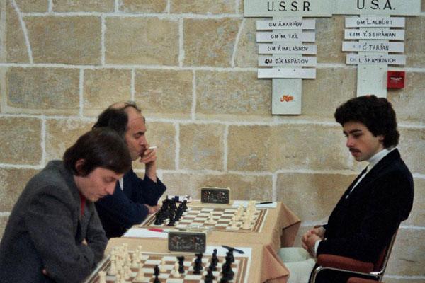 karpov, tal et seirawan à l'Olympiade de Malte en 1980