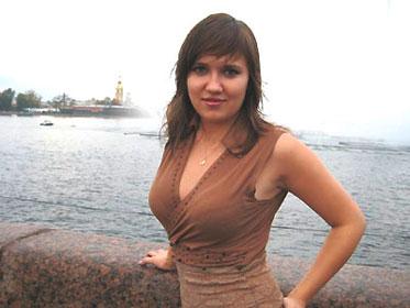 Marina Lupik prend la pose